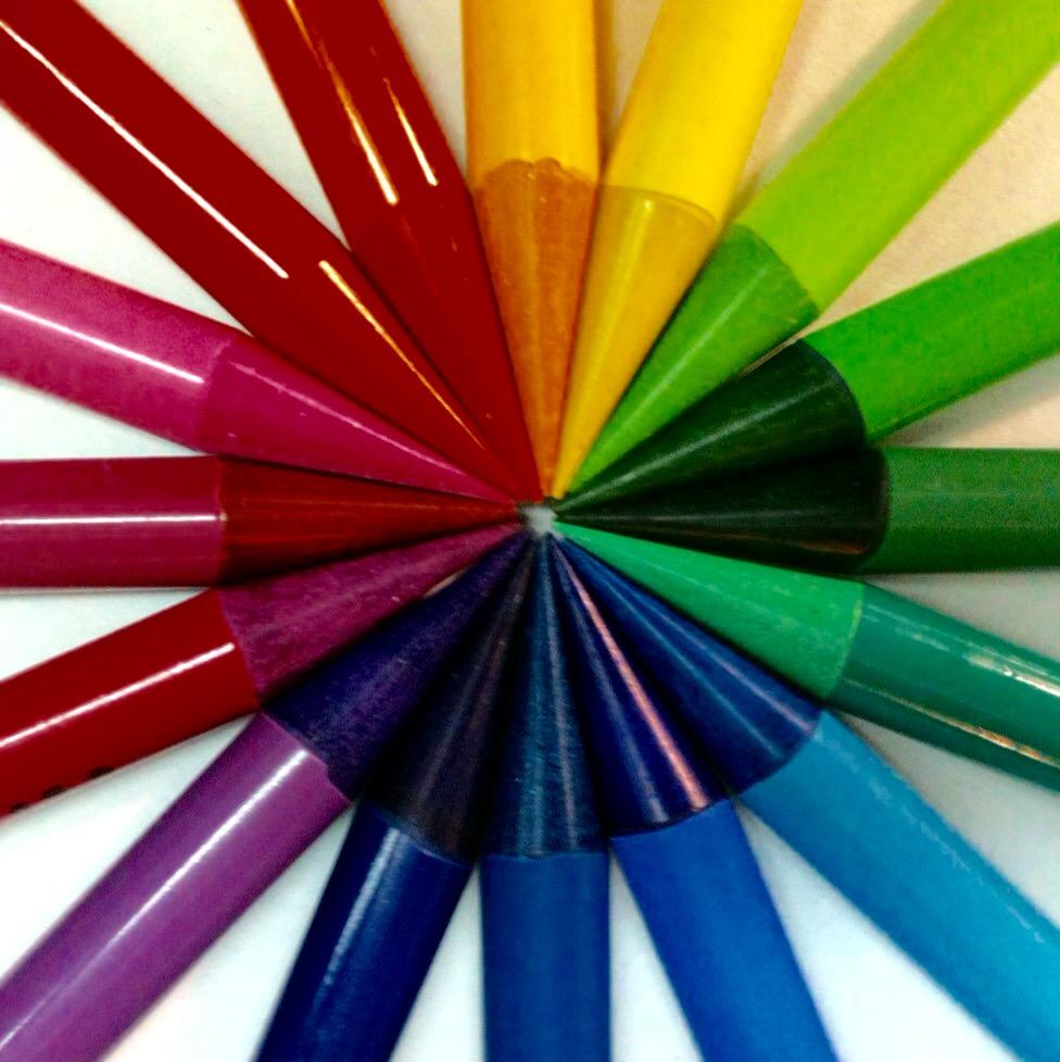 Курсы шитья, карандаши, дизайн