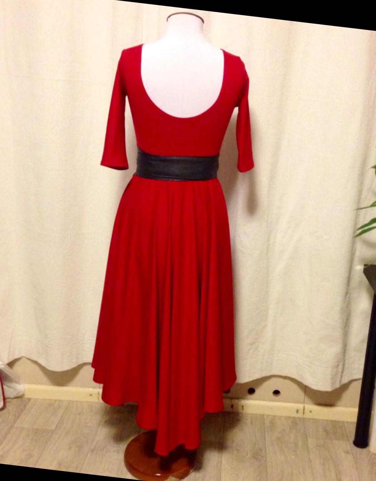 Курсы кройки и шитья Красное платье сшитое в Школе дизайнерского мастерства